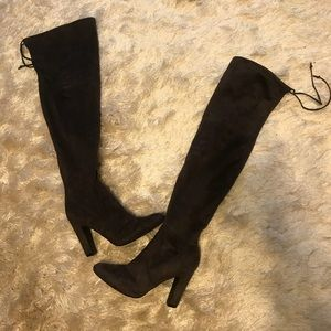 Trendy Over the Knee boot with ties
